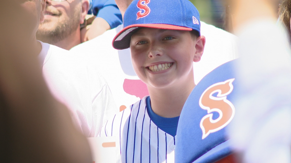 Make-A-Wish surprises 12-year-old with dream trip before Syracuse Mets game