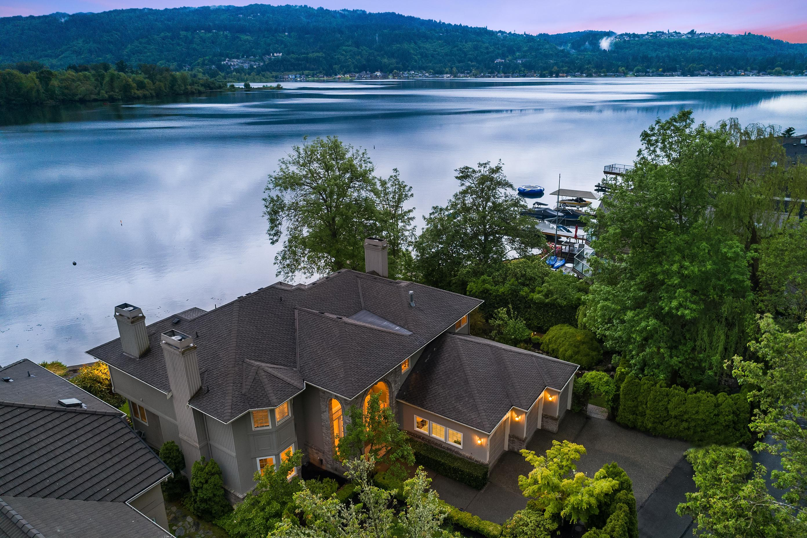 4293 E Lake Sammamish Shore Lane SE Sammamish, WA (Photo provided by Compass Real Estate)