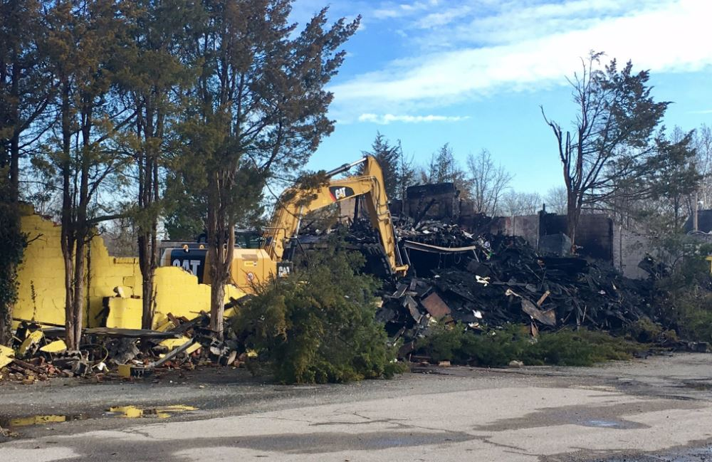 Alexandria home to dozens of antique dealers for generations destroyed by fire. (Tom Roussey/ABC7)
