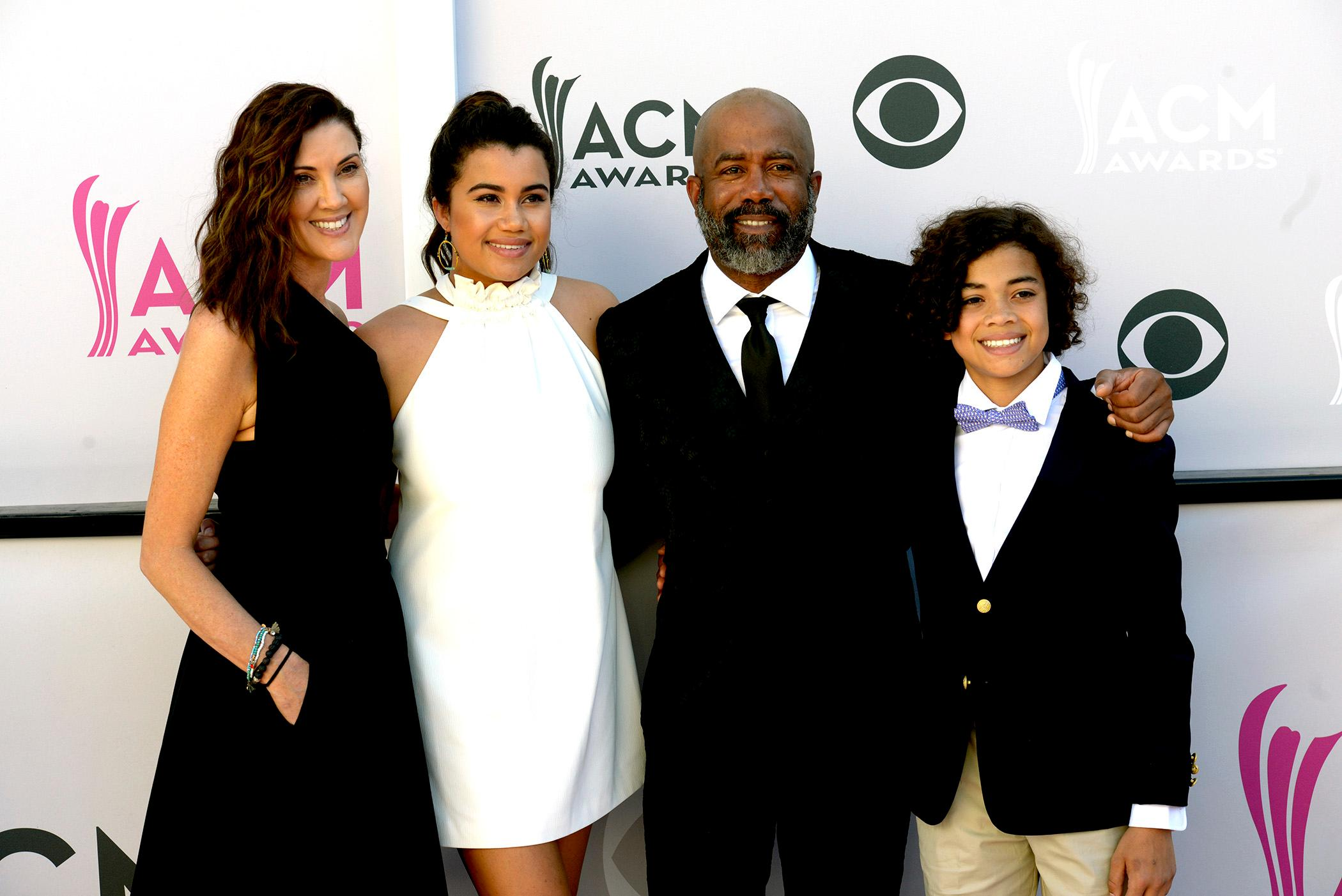 Singer Darius Rucker and his family walk the Academy of Country Music Awards red carpet at T-Mobile Arena. Sunday, April 2, 2017. (Glenn Pinkerton/ Las Vegas News Bureau)