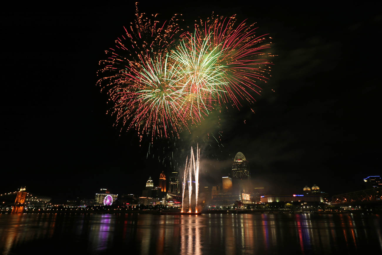 "If you want to get experience shooting fireworks, Larry advises to take advantage of the Cincinnati Reds' ""Fireworks Fridays."" He says it's best to get the shots at the beginning of the show to avoid the build-up of smoke messing up your shots. / Image: Larry Thomas // Published: 1.16.19"