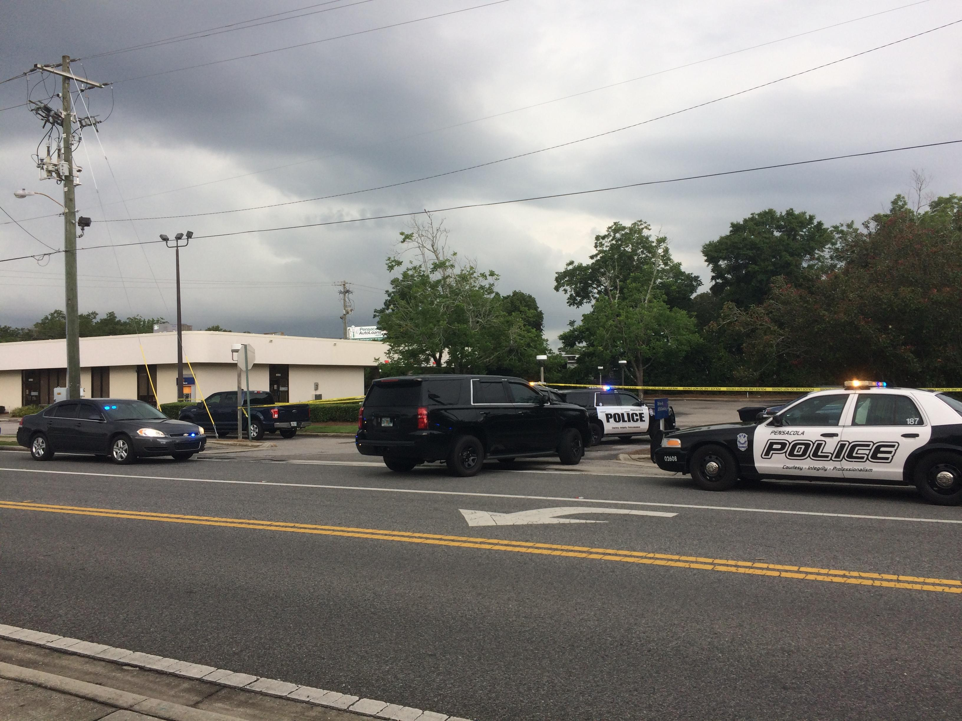 Police investigating Pensacola bank robbery