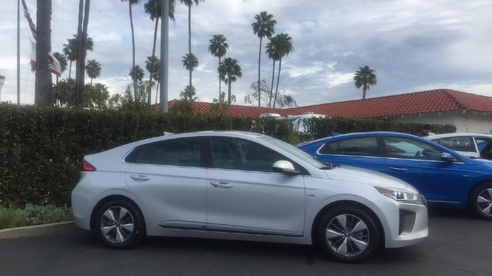 Excellent 2017 Hyundai Ioniq A Threeprong Approach To Electrified