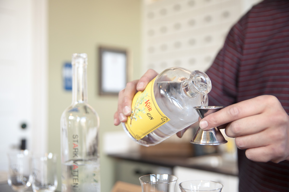 Bartender and now distiller Mike Taib pours a taste (Image: Paola Thomas / Seattle Refined)