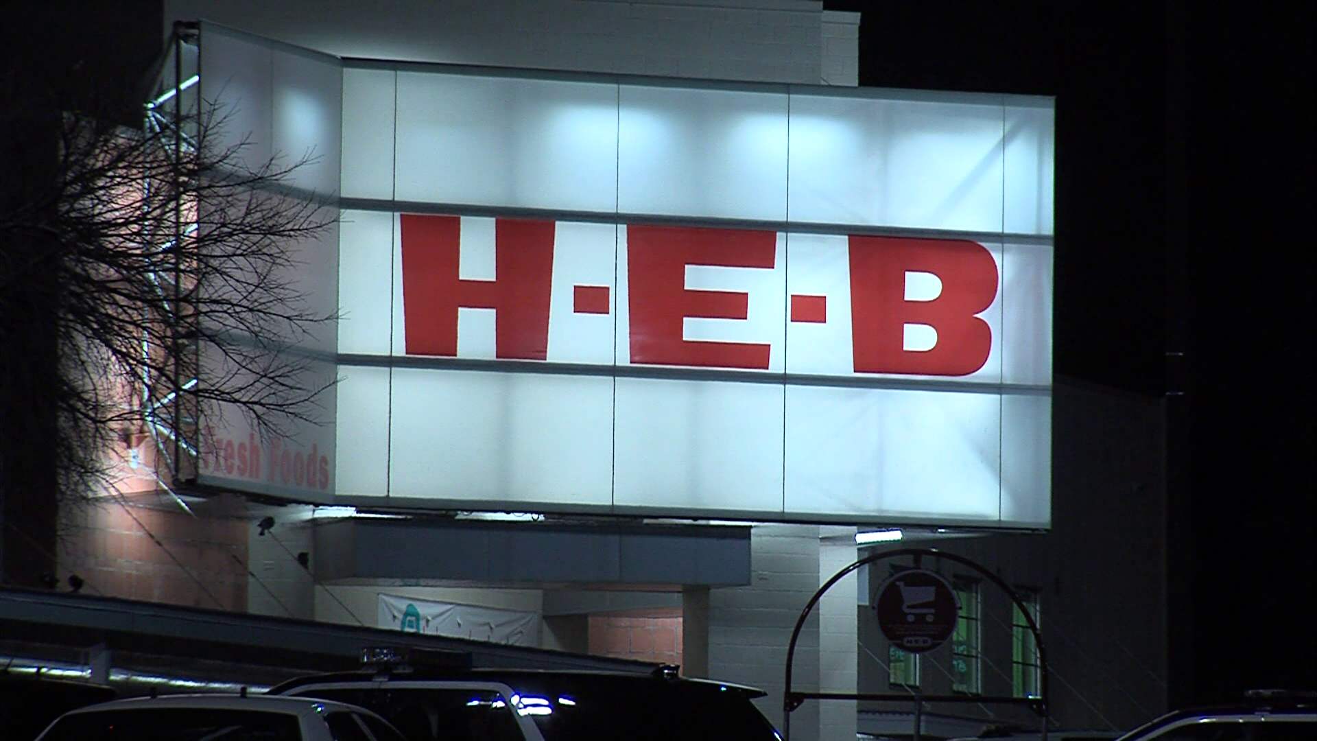 The HEB employees were arguing inside the store when one took out a box cutter and cut the other on the arm. (SBG Photo)