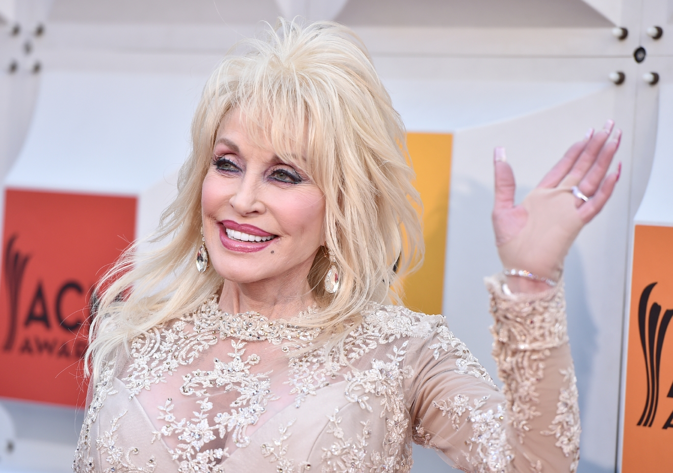 Dolly Parton arrives at the 51st annual Academy of Country Music Awards at the MGM Grand Garden Arena on Sunday, April 3, 2016, in Las Vegas. (Photo by Jordan Strauss/Invision/AP)