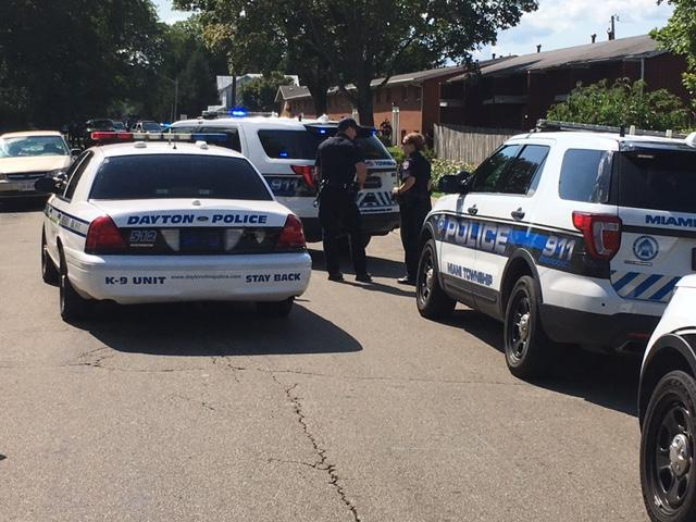 Heavy police presence on East Pearl Street in Miamisburg (WKEF/WRGT)