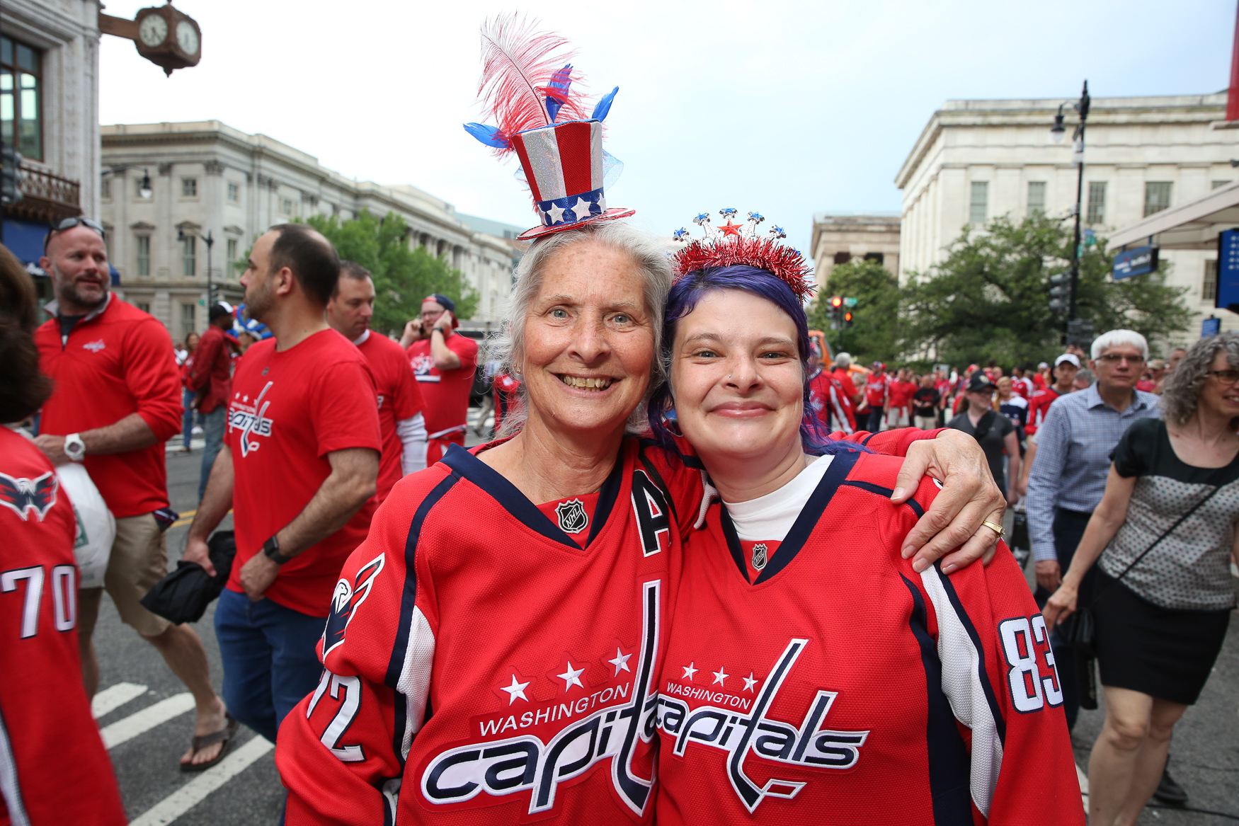 Thousands of Caps fans flooded downtown D.C. to watch the third game of the Stanley Cup series.{ } Although some lucky fans had tickets, others stayed outside to watch the game being live streamed on the screens outside. Those who arrived early were treated to a free concert by Sting and Shaggy outside of the National Portrait Gallery, but every fan had the chance to cheer, boo and bond over their love for the Caps. (Amanda Andrade-Rhoades/DC Refined)