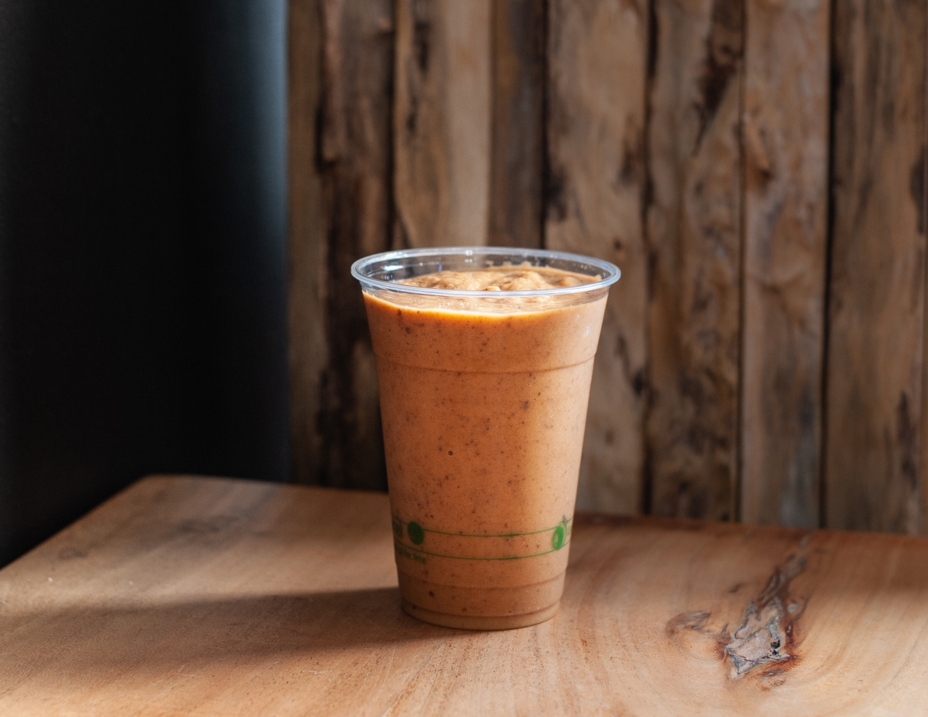 Morning Glory Smoothie: carrot, turmeric, avocado, vanilla rice milk, organic raisins, and cinnamon / Image: Kellie Coleman // Published: 12.27.20