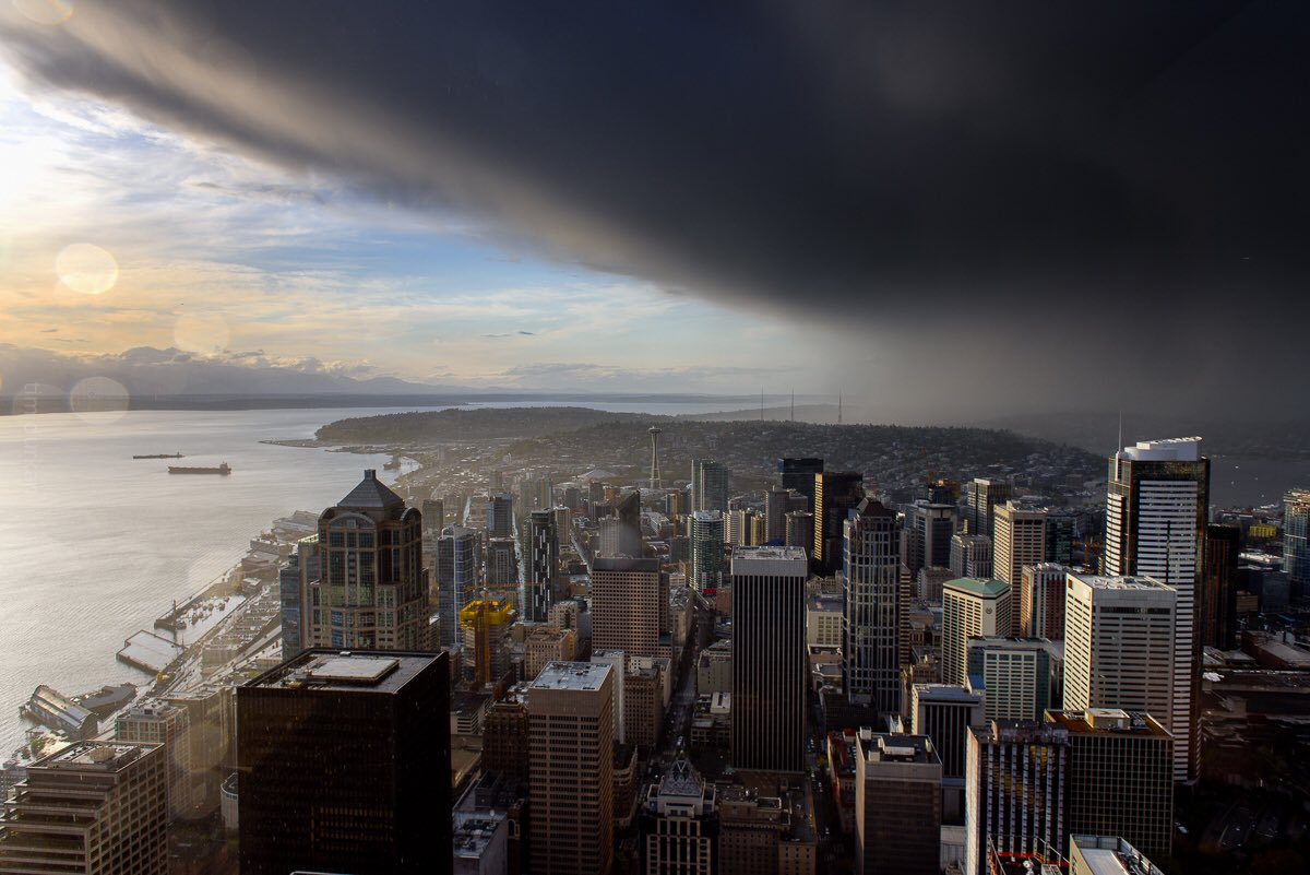 Storm clouds roll over downtown Seattle, Tuesday, April 18, 2017. (Photo: Tim Durkan)