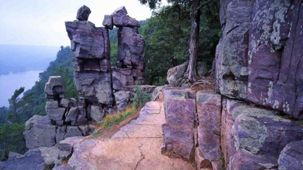 devils_lake_devils_doorway-dnr-submitted-1280-1024x576.jpg