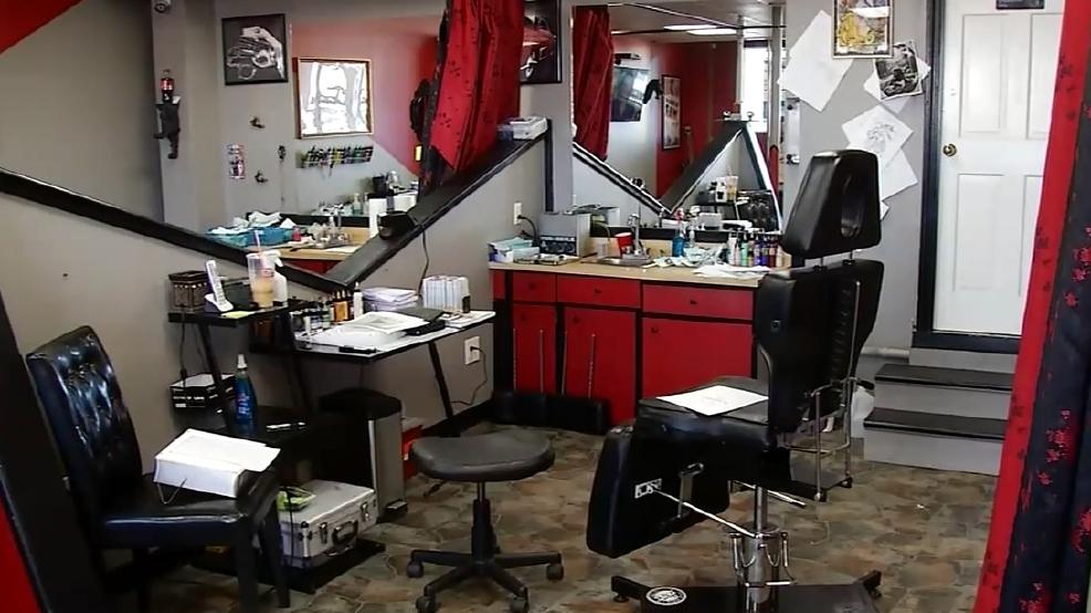 Nh tattoo studio offers free donald trump tattoos kgbt for Tattoo shops in mcallen