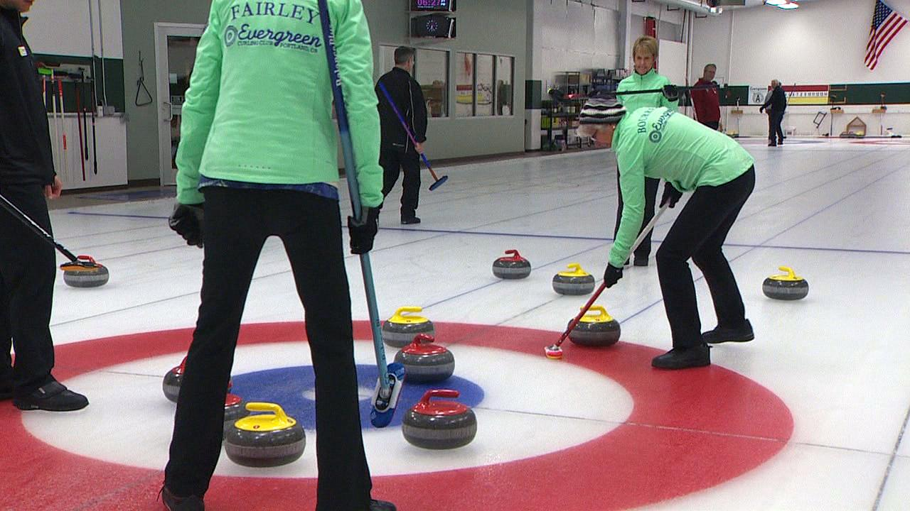 Curling on a recent weekday night at the Evergreen Curling Club. (KATU Photo)
