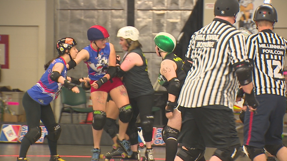 Rat City Rollers give emotional goodbye to Shoreline home