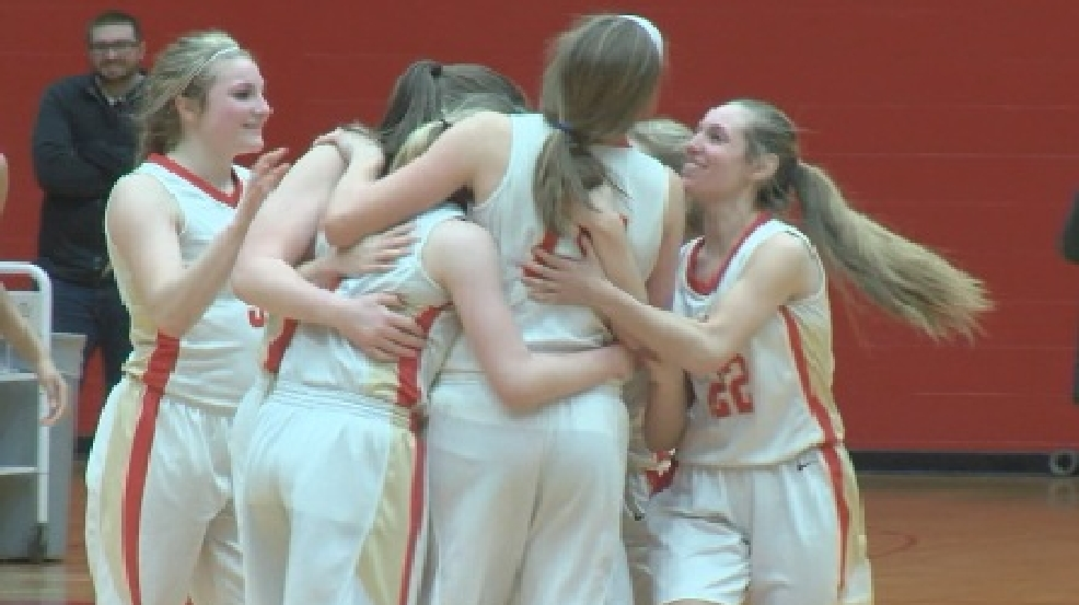 Bishop McCort claims two district titles in final seconds