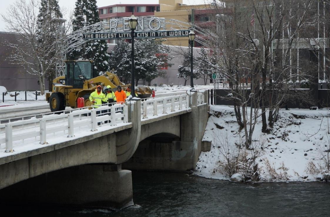 Officials prepare for flooding in Reno on Thursday, Jan. 5, 2017. (Photo courtesy of KRNV-TV)