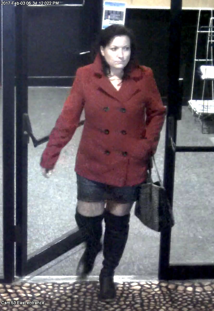Surveillance photo of fraud suspect Amber Hitchcock. (Courtesy: WCSO)