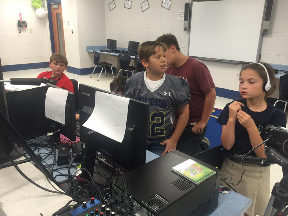 Anchor Kym Thurman visits Pearl Haskew Elementary School | WPMI