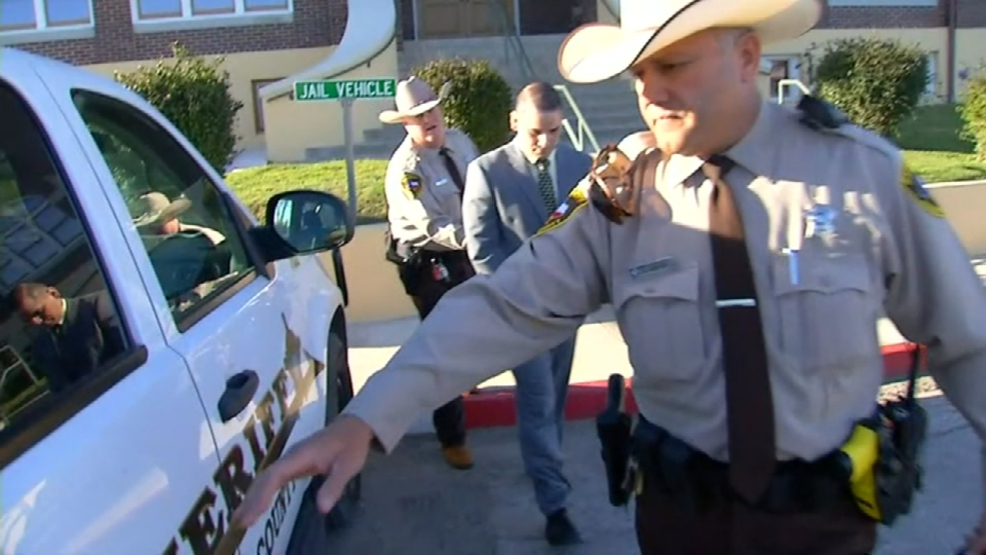San Antonio police officer shot in the head dies - CBS News