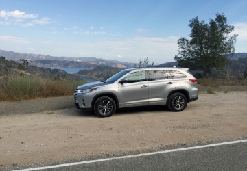 2017 Toyota Highlander: A family-ready SUV