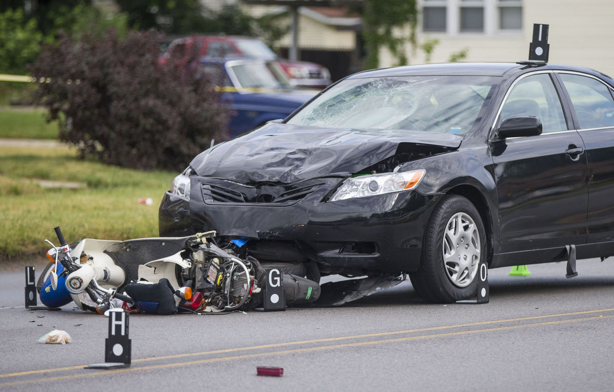 Deadly crash on Eddy Street in South Bend // South Bend Tribune photo - ROBERT FRANKLIN