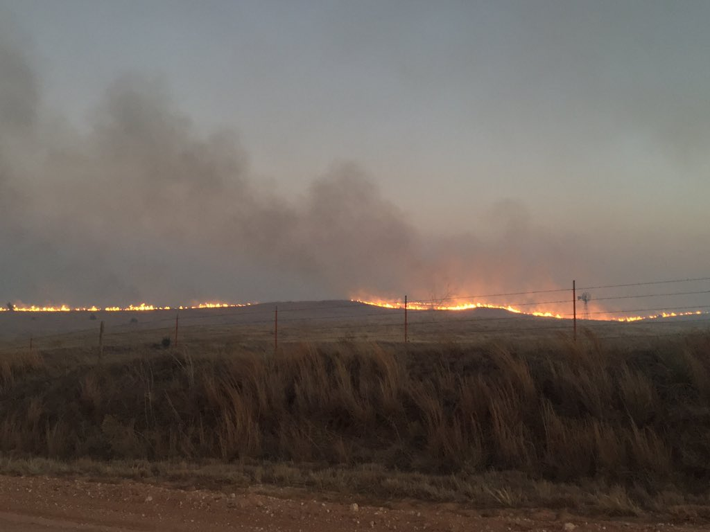 A fire burns March 6 in the Oklahoma Panhandle. (KOKH/Steven Anderson)