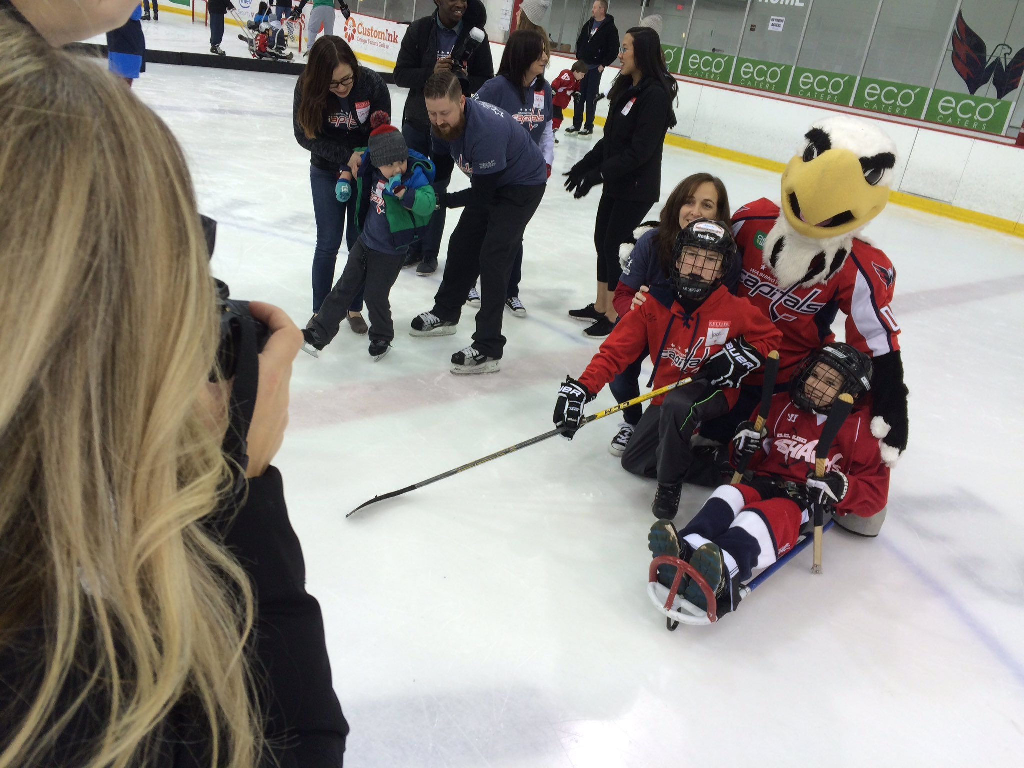 Washington Capitals host Dreams for Kids DC clinic Friday, February 19, 2016. (ABC7/ Mike Carter-Conneen)