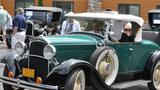 Dodge City: Classic cars make their way to Green Bay