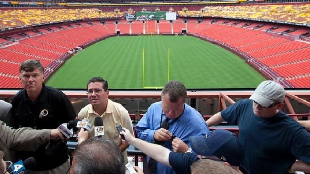 Celebrity Buzz: NFL won't demand TV announcers use ...