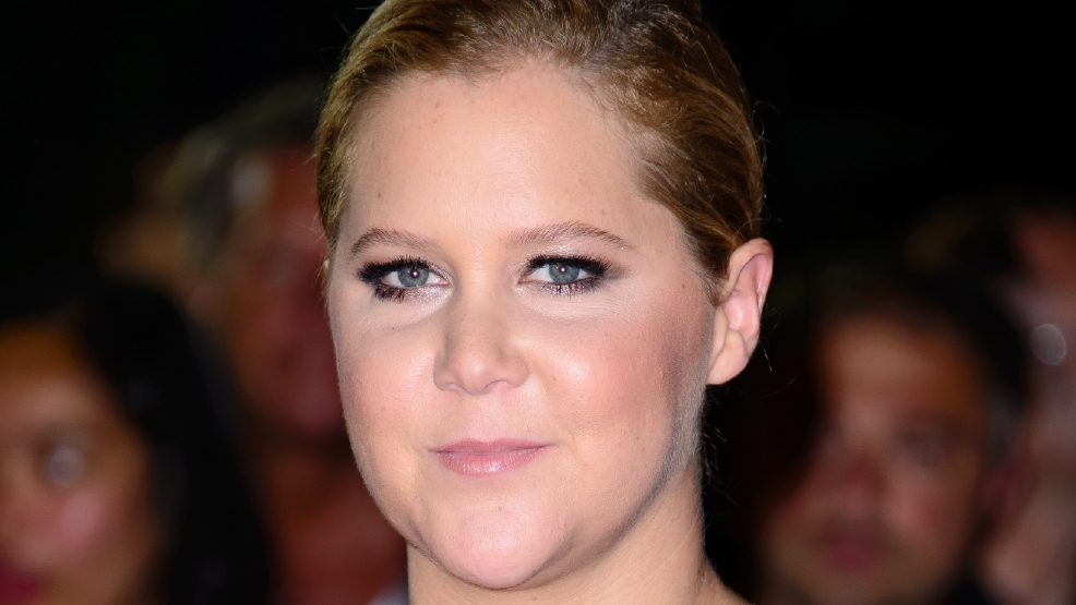 Amy Schumer reads sarcastic letter to fans who walked out of her show over Trump jokes