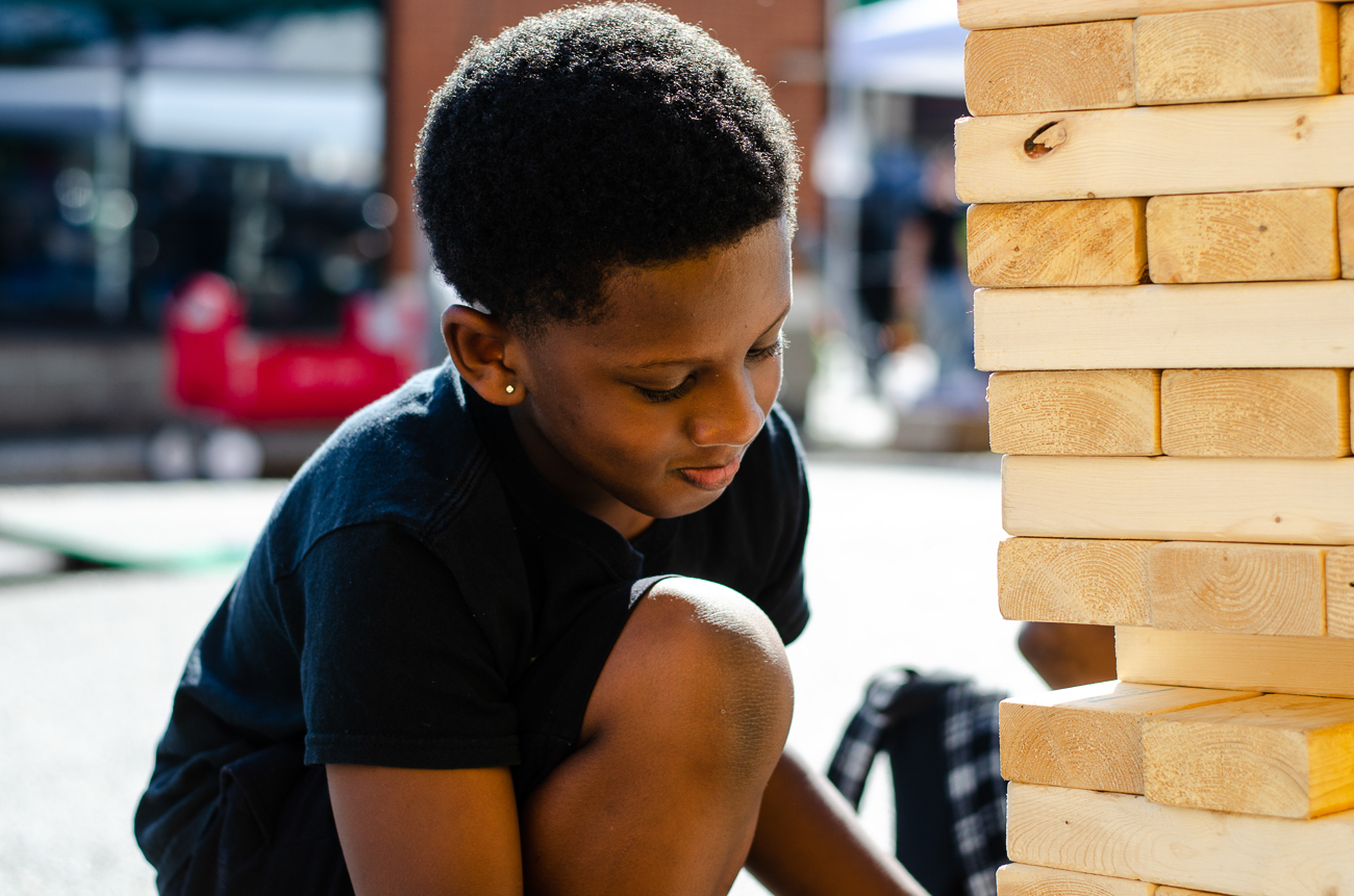 Jelori playing Jenga / Image: Kellie Coleman // Published: 10.7.18