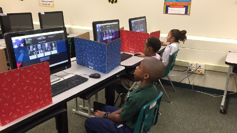 Students at Sherwood Acres Elementary School vote in a mock election ...