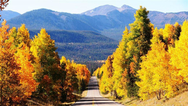 Escape into Nature on the Stunning Mirror Lake Scenic Byway