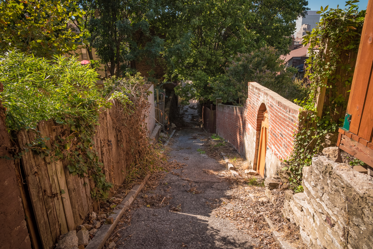 NAME: Bunker Alley / CONNECTS: 14th Street to Reading Road / NEIGHBORHOOD: Mt. Auburn & Pendleton / Image: Phil Armstrong, Cincinnati Refined