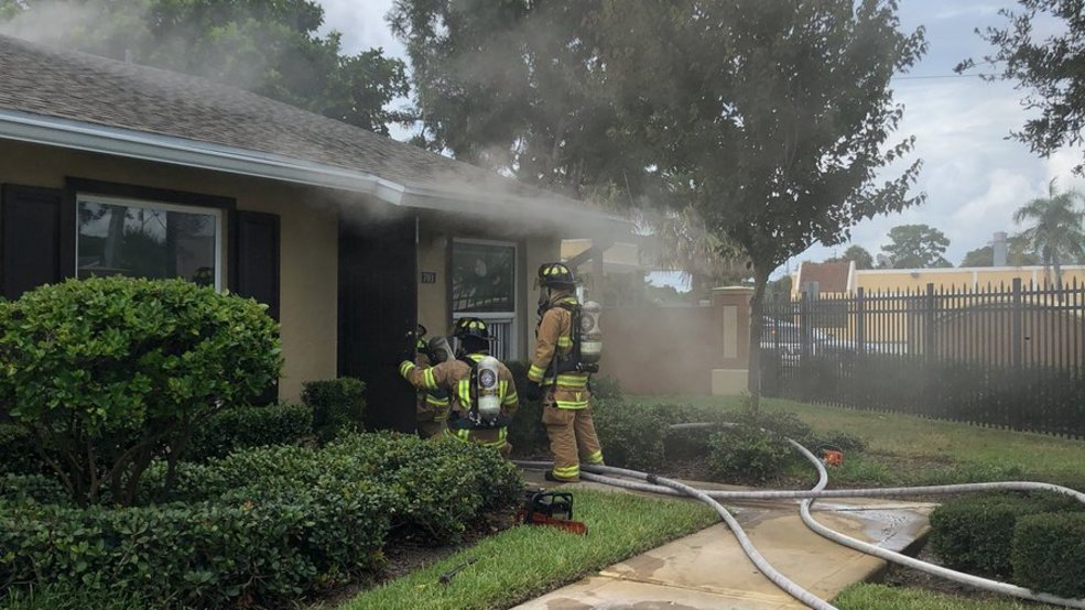 Apartment fire in stuart 2.jpg