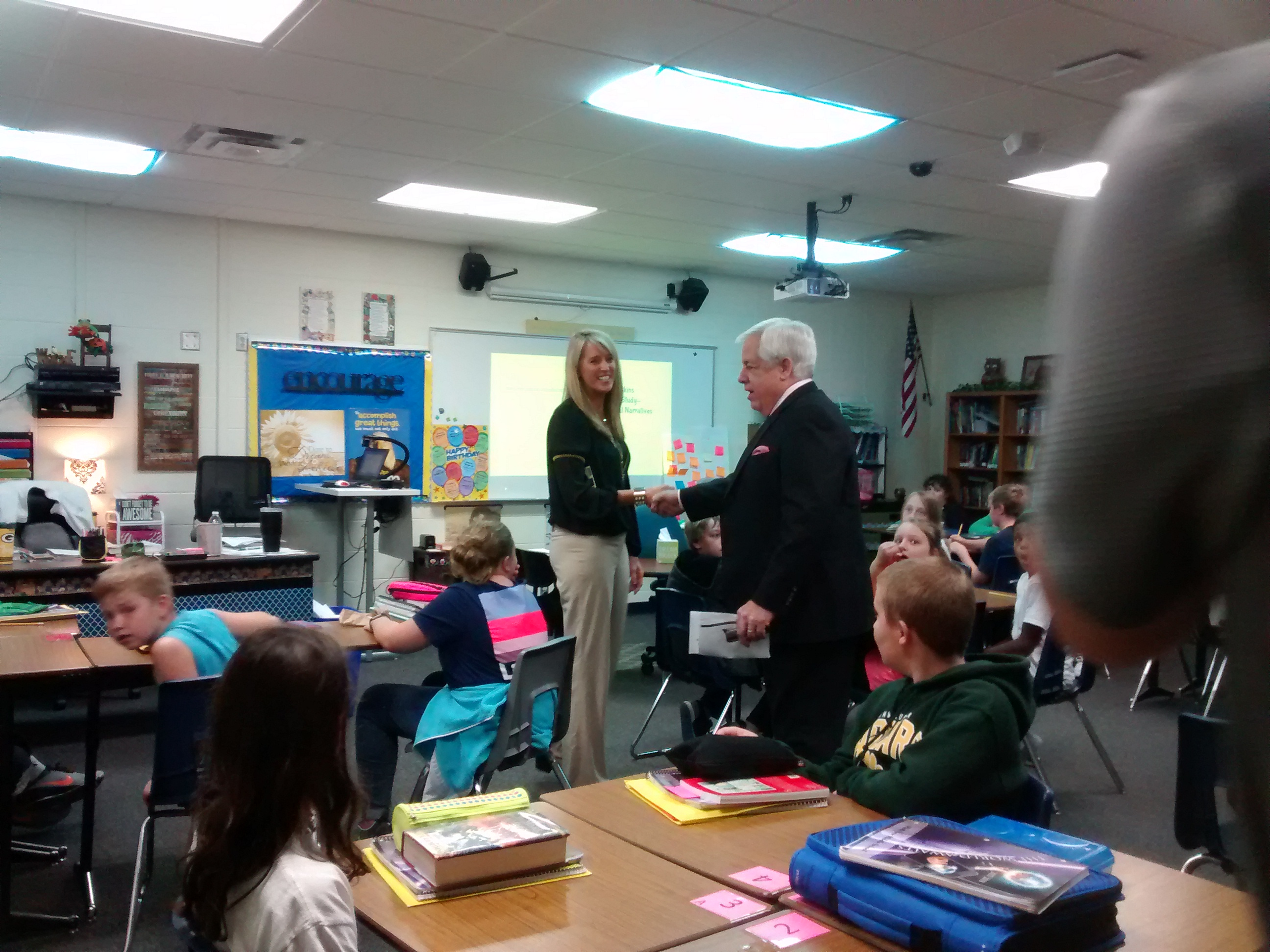 FOX 11's Tom Milbourn visits Parkview Middle School for the 2017 Golden Apple Awards kickoff, September 18, 2017. (Photo courtesy of Greater Green Bay Chamber)