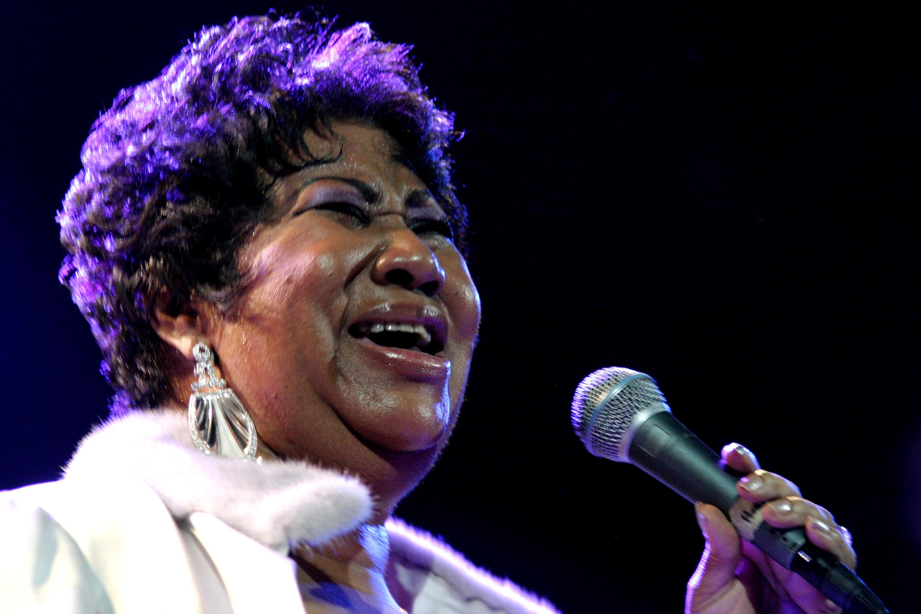 FILE - In this Nov. 21, 2008 file photo, Aretha Franklin performs at the House of Blues in Los Angeles. (AP Photo/Shea Walsh, File)